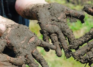 picture of muddy hands